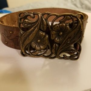 Brown leather Fossil belt size small flower buckle